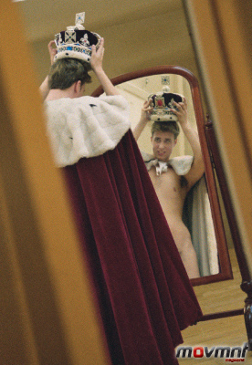 Prince William try his soon to be crown, naked in front of his Royal mirror - Photo by Alison Jackson